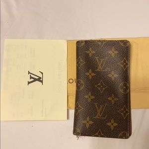 Authentic Louis Vuitton checkbook holder